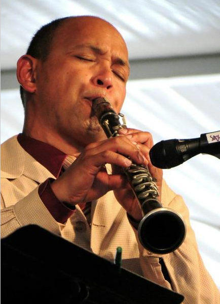 Evan Christopher plays at a Midsummer Night's Social.
