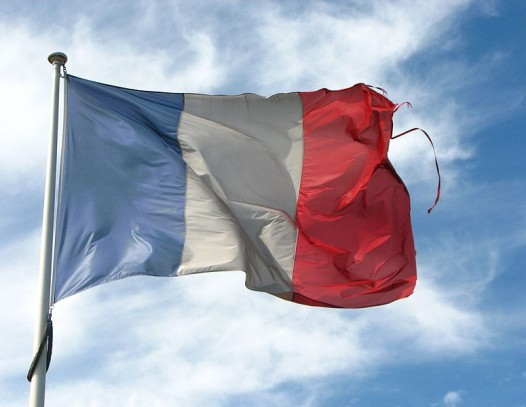 775px-Old_Frayed_French_Flag_(6032746234)