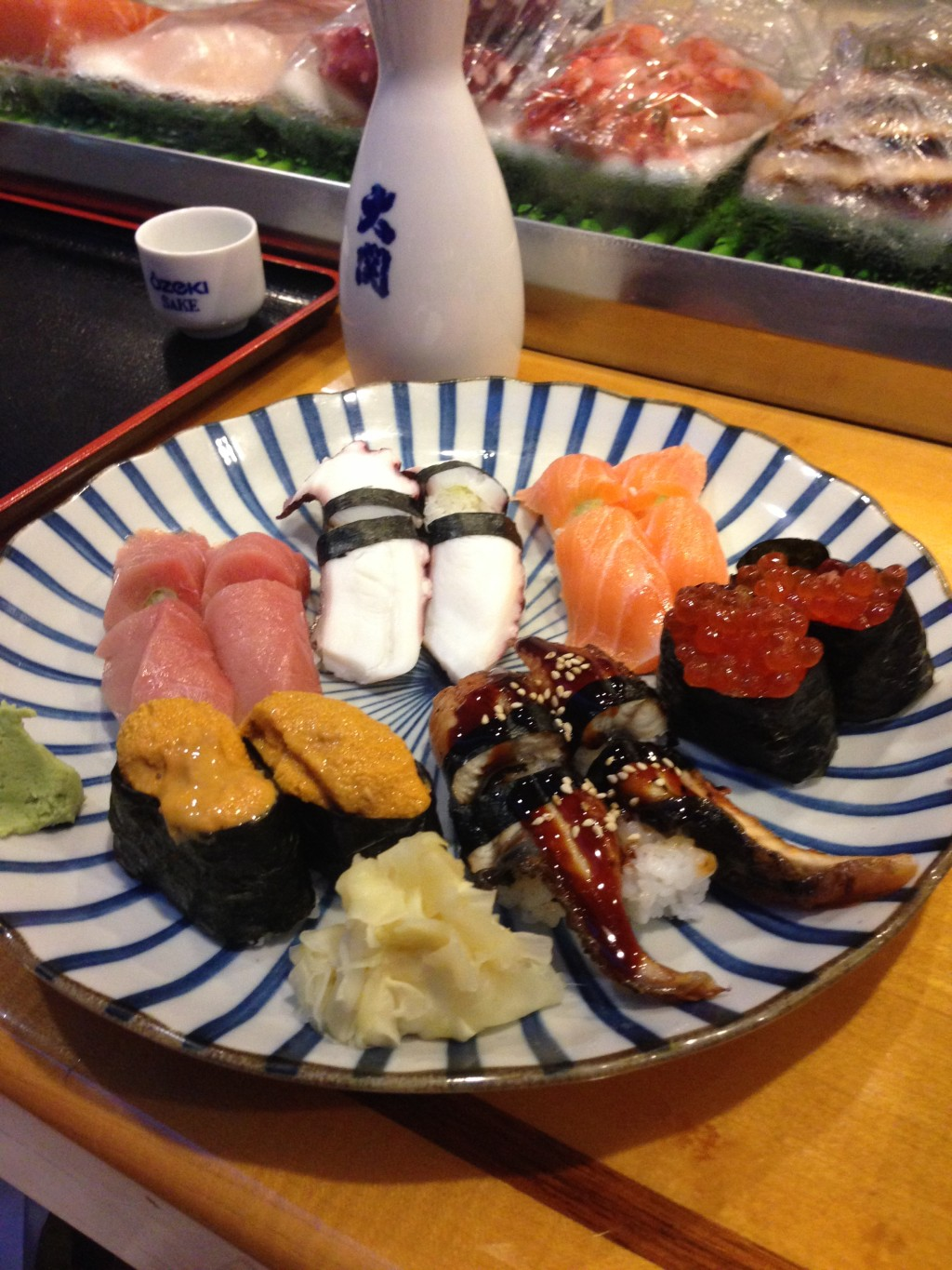 Nigiri sushi at Horinoya include everything from fatty tuna belly to sea urchin and salmon roe.