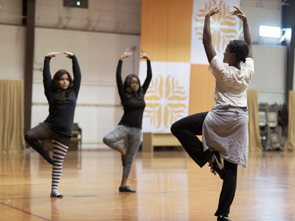 Hope Stone brings dance to the NOLA populace – Via Nola Vie