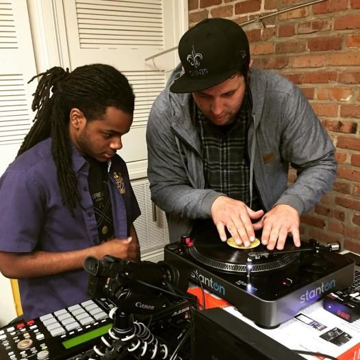 Derek Vincent Smith, Aka Pretty Lights, teaches the basics of scratching