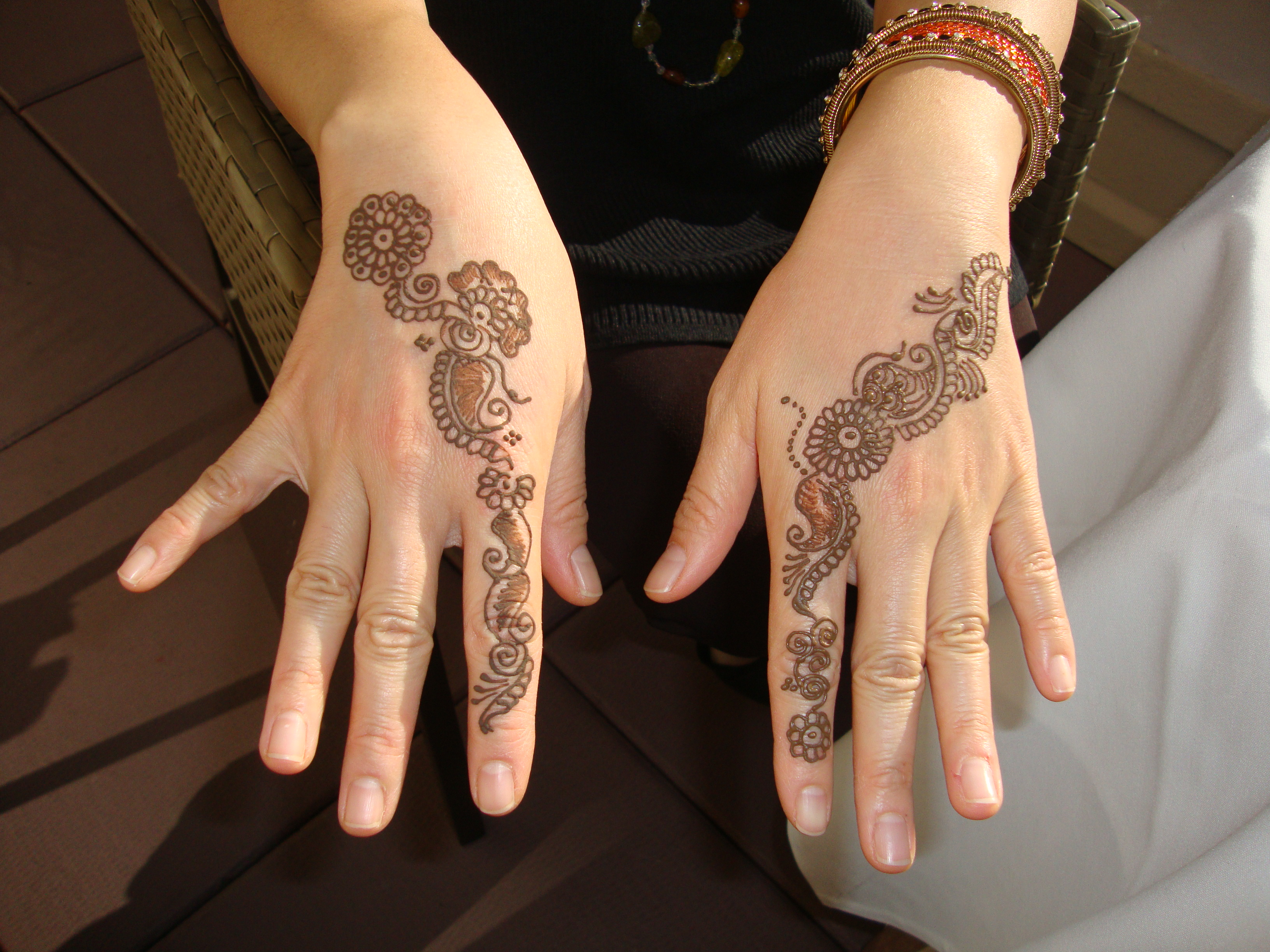 Henna Tattoo In Little India Singapore: India Fest 2015 Brings Bollywood And Henna Art To NOMA