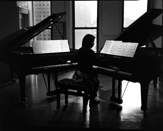Pianis Mabel Kwan plays Friday night.
