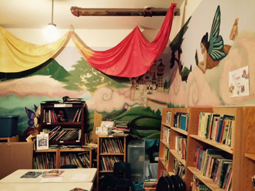 Organic shapes, silk drapery, wall murals adorn the Waldorf library. (Photo: Renee Peck)