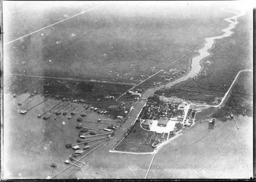 800px-Spanish_Fort_NOLA_Air_1922