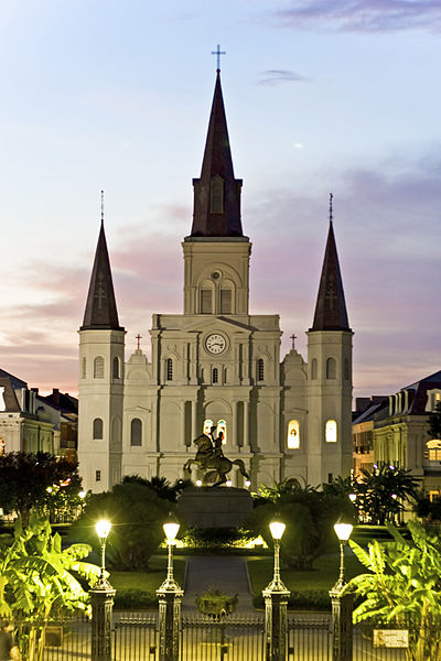 St_Louis_Cathedral_at_sundown
