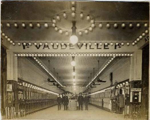Vaudeville_Penny_Arcade_New_Orleans_Teunisson