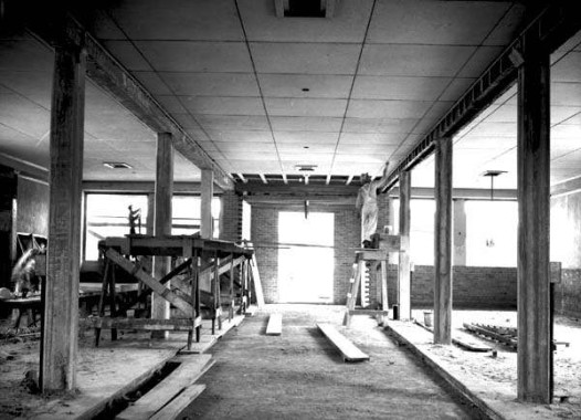 LeBreton_Market_New_Orleans_1938_interior_during_WPA_renovation