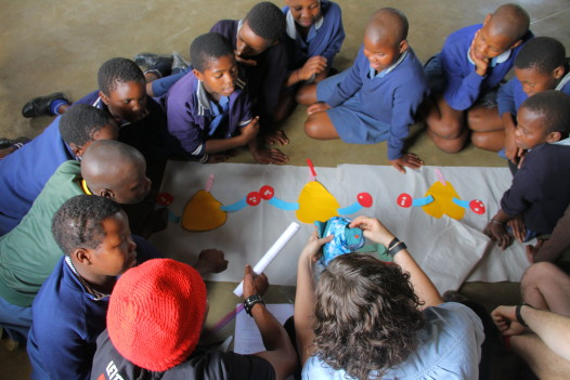 'We can treat, but also train,' says Turang, which volunteers do here with kids in South Africa. (Photo: LearnToLive)